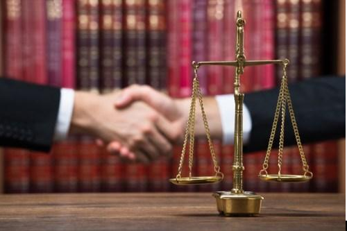 Guest Post: 3 Ways in Which a Divorce Lawyer can help you During